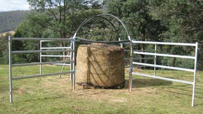 Round Bale Net Use And Cover To Make Natural Horse World